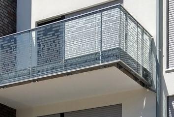 Balkonverglasungen am Marktplatz in Leverkusen-Lützenkirchen